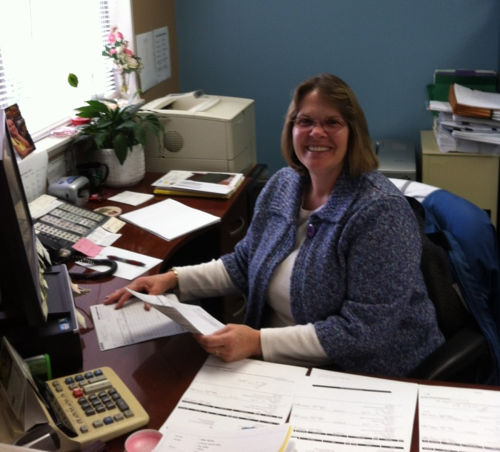 Congrats on winning October's Employee of the Month, Vicki!  We appreciate everything you do!